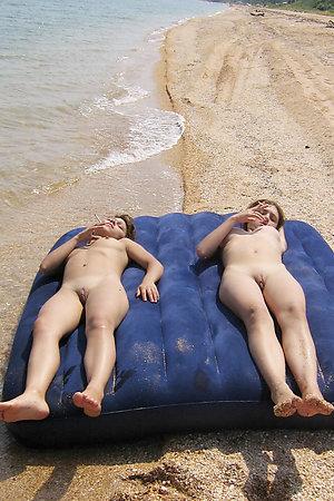 Cutie amateur nudist girls