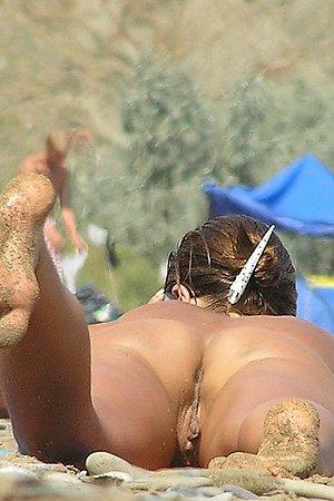 Hottest nudist women's butts on beach