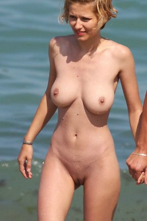 Pretty girls at nudist beach pictures and movie gallery