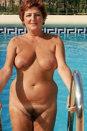 Happy fat grannies enjoing a nude sun bath