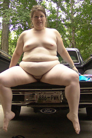 Horny BBW carwives flashing with no shame