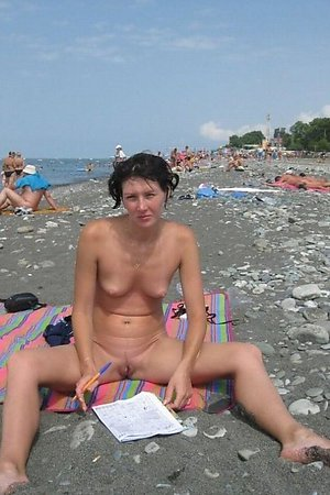 A shaved lady at the La Joya Nude