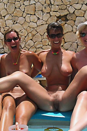 Sex and nudist at the beach