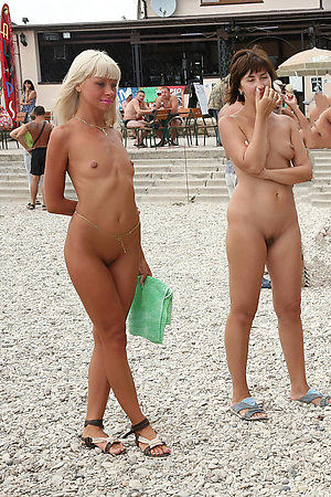 Young nudist girls with mature moms