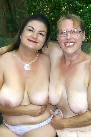 Mature nudist moms with young girls