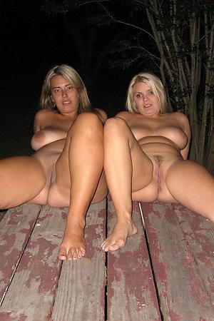 Older nudist mom with nudist girl
