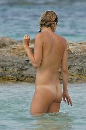 Only free pics contets nude women, beach girls, wife at nude beach at nude beach