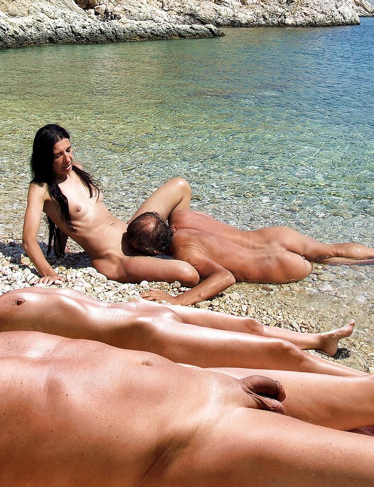 Нудистки На Пляжах Порно Видео