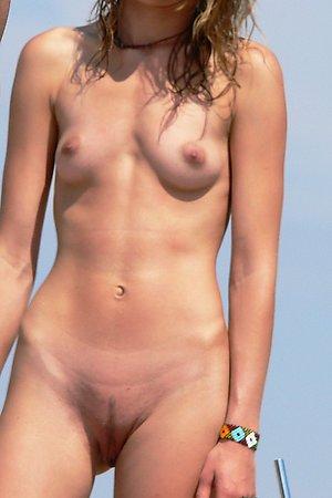 Spy on nudist girls on beach