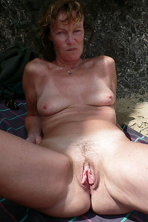 Nudist mature women showing pussy