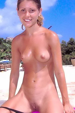 Naked On The Beach! Gallery #31