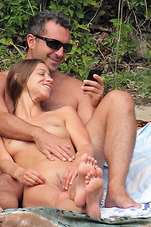 Exclusive content of the nude girls and men on the free beach