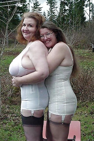 Nudist moms and grannies with nudist young girls