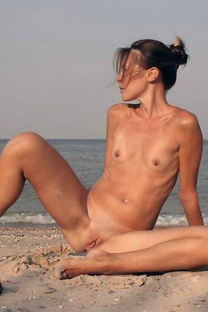 shameless damsels wants sex right now at beach among men