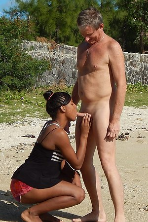 Tanned real amateurs fucking hard at voyeur beaches
