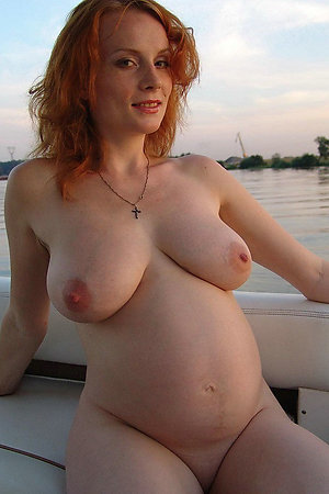 Nudist pregnant women in all their glory