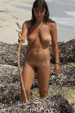 Free galleries with amateur nudity, nudist girl, naked nudist woman at at nudist beach