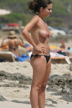 Great collection of hidden beach shot, nude beach woman, beach pussy at nudist beach