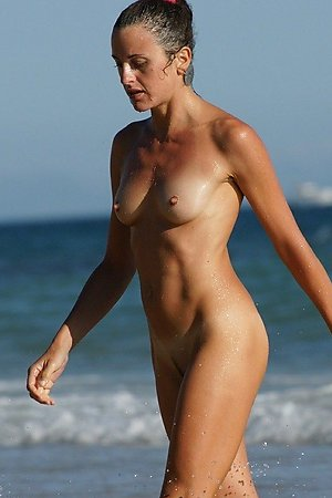 More pics with amateur nudity, nude girl, pussy close-up at nude beach