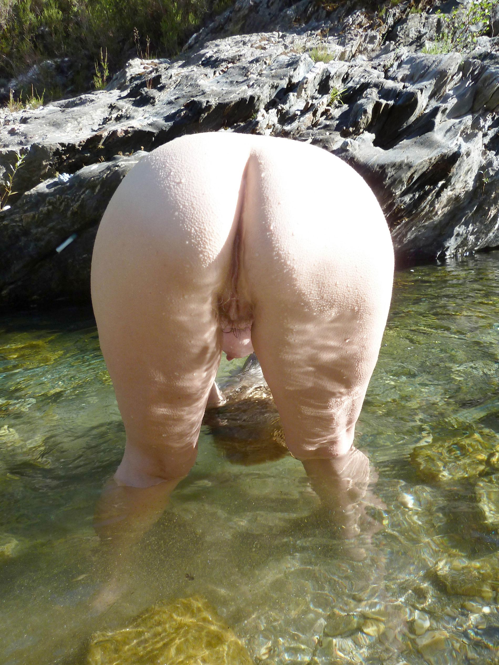 Bubble butt mature women nude pics